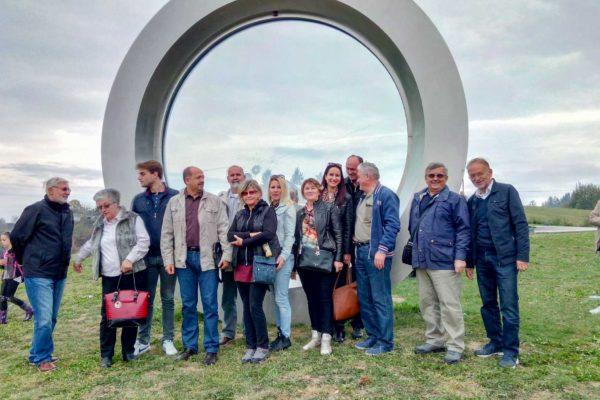 Spomenik Ledereru Hrvatska Kostajnica